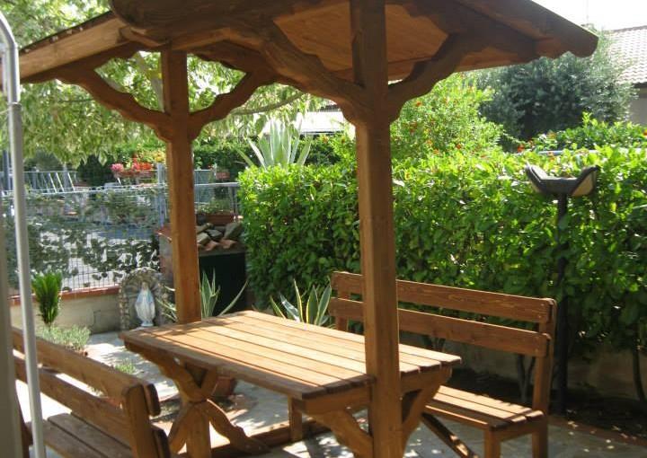 Panca Con Tavolo Da Giardino : Kit tavolo panche e tettoie in legno pino costruzioni casal velino sa