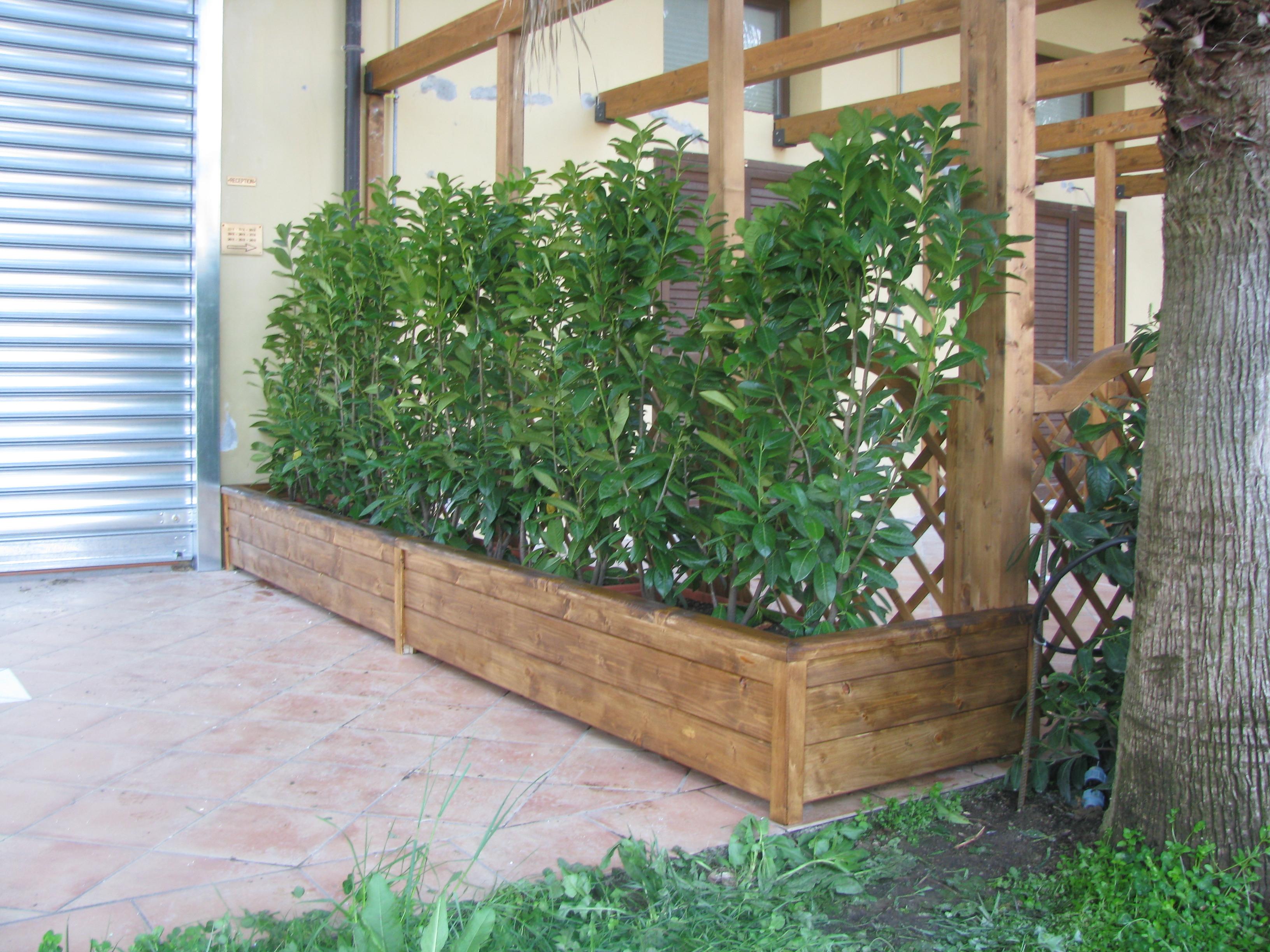 Fioriere in legno 39 pino costruzioni group srls for Bricoman recinzioni