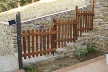 Recinzioni in legno pino costruzioni casal velino sa loc portararo - Recinzioni in legno per giardino ...