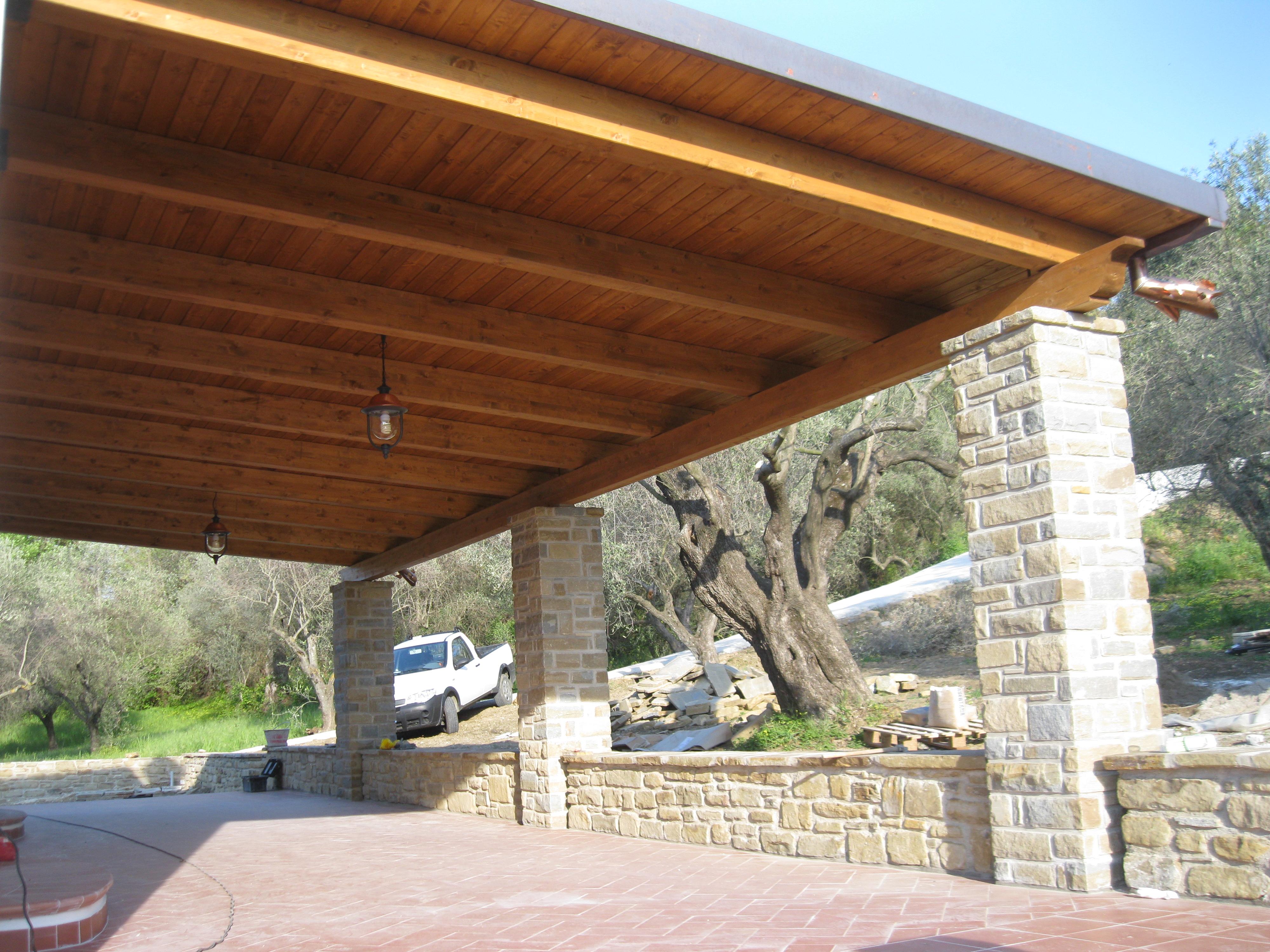 Tettoia in legno 1 pino costruzioni group srls - Tettoie in legno ...
