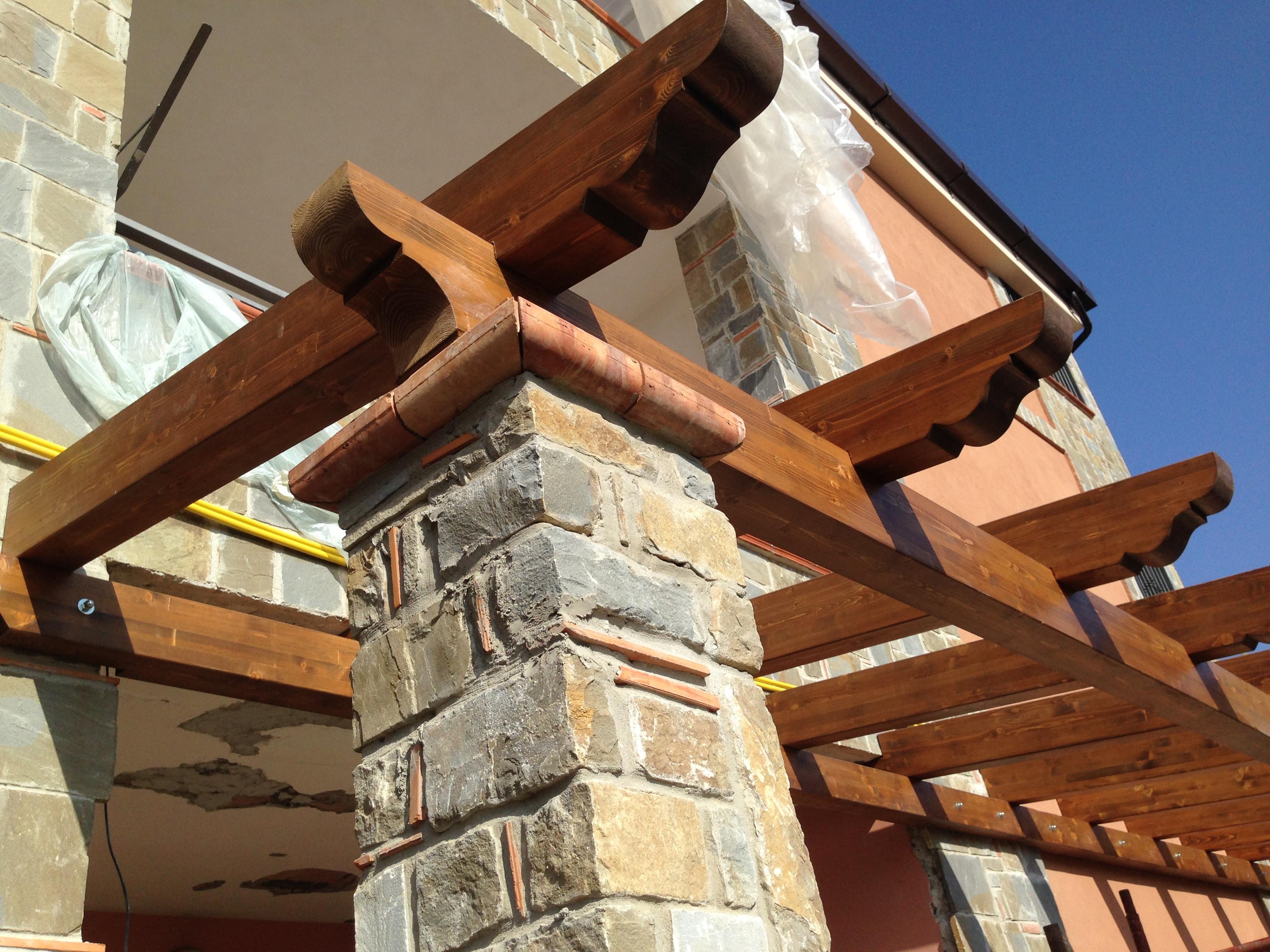 Tettoie in legno pino costruzioni group srls casal velino - Tettoie in legno per esterno ...
