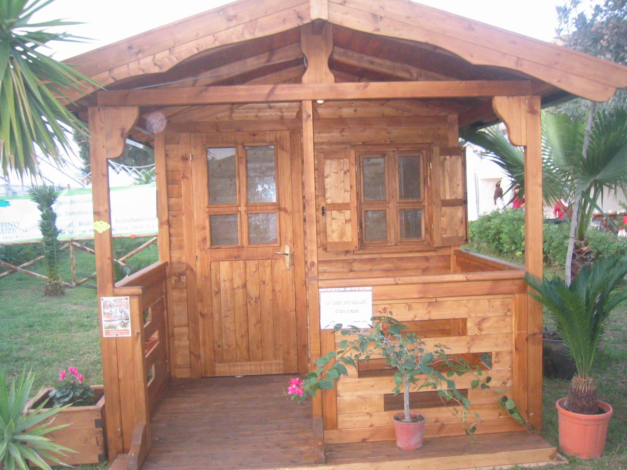 Casetta di legno 11 pino costruzioni group srls for Casetta in legno