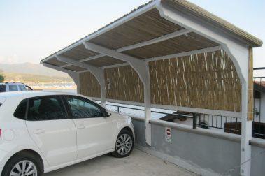 Posto auto in legno